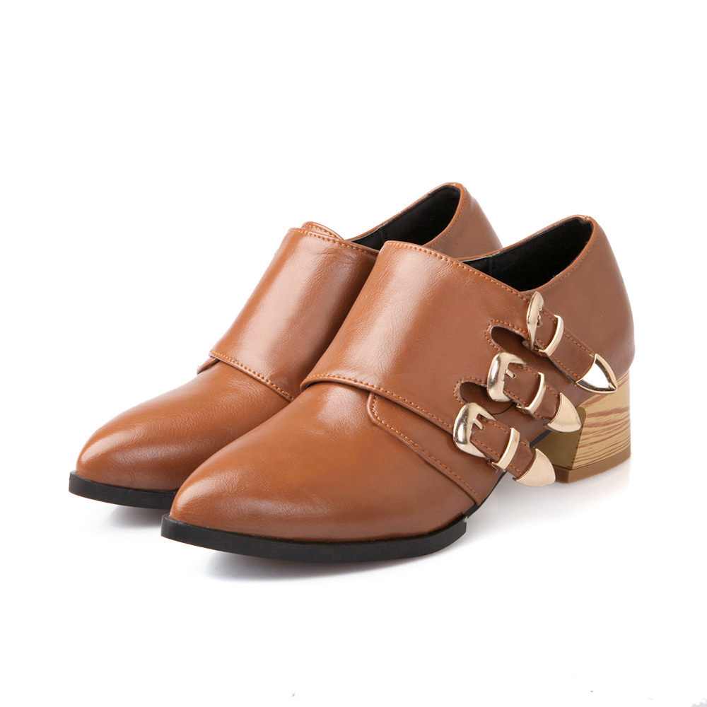 Brown Ladies Oxford Shoes Out