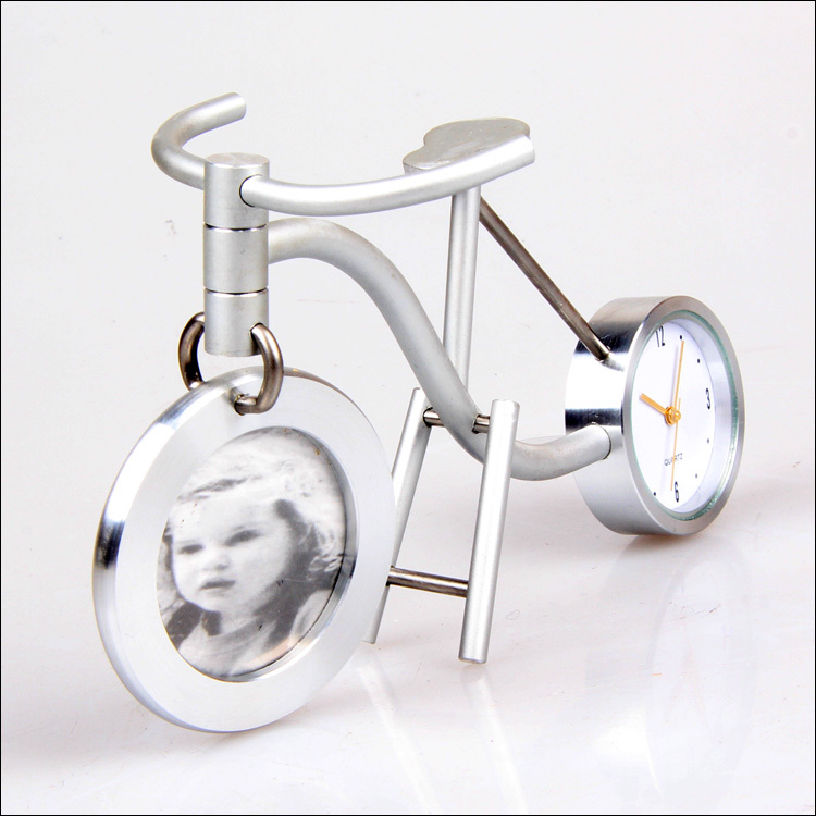 Two tire bike minimalist clock home office furnishings decorative wrought iron crafts creative, more than $100,TNT Free Shipping