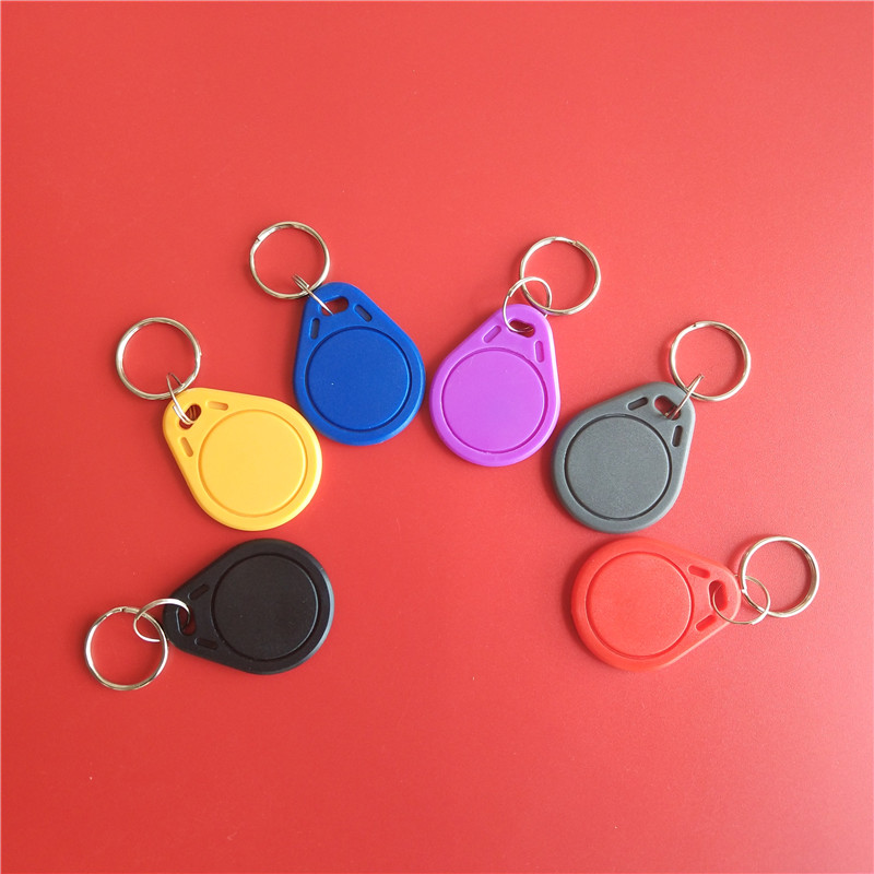 100Pcs/Lot Writable Rewrite T5577 5200 RFID Tag Cards Keyfobs Key Ring Card 125KHZ Proximity Token Tags for Copier winfeng 300pcs lot cmyk color customized 3 part plastic pvc combo loyalty cards membership cards with 3 small key tag card