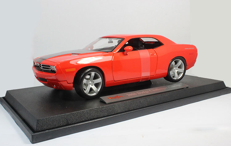 1/18 Scale USA 2006 Dodge Challenger Diecast Metal Car Model Toy New In Box For Gift/Collection/Decoration brand new 1 72 scale fighter model toys usa f a 18f super hornet fighter diecast metal plane model toy for gift collection