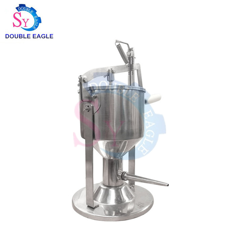 Best Selling Commercial Small Manual Biscuit Cream Filling Machine/jam Filled Cake Injection Machine