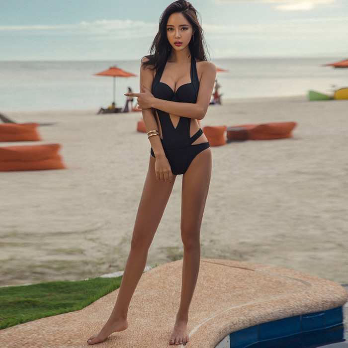 2019 Bikini Siamese Swimwear Europe And In The United States Sexy Fashion Open Sky Black Bandage Bikini Swimsuit Female in Body Suits from Sports Entertainment