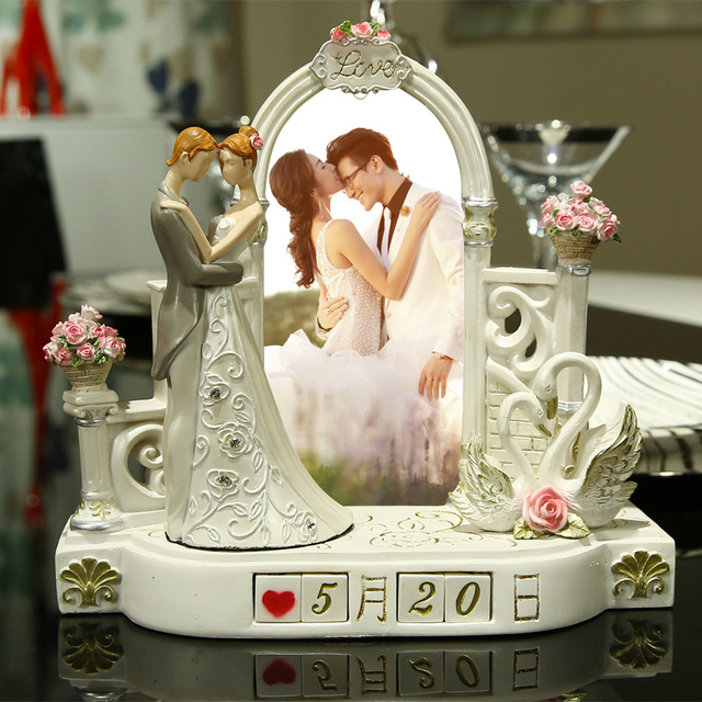 50 Best Wedding Gift Ideas For Marriage Anniversary