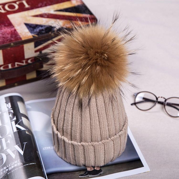 Брендовая зимняя женская шапка высокого качества, шапка бини из натурального меха енота, женские шапки с помпоном, Женская Повседневная шапка для девочек - Цвет: Khaki