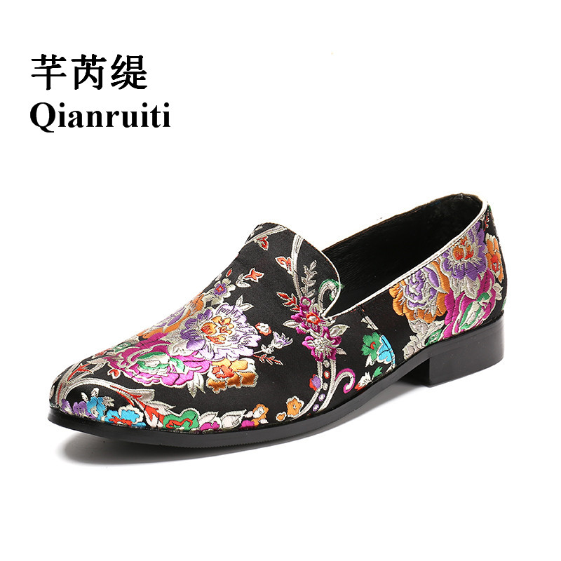 Qianruiti Chaussure Homme Men Embroidery Shoes Slip-on Loafers Floral Flats Luxury Handmade Casual Shoes EU39-EU46 size 39 45 men casual shoes slip on flats summer shoes men air mesh loafers men shoes chaussure homme zapatos hombre