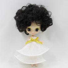 Boneca Petite Blythe Cabelo Encaracolado Preto 10cm