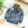 Envío libre al por menor nuevos 2015 moda infantil de la chaqueta de invierno para las niñas ropa de bebé ropa de abrigo chaqueta de cuero