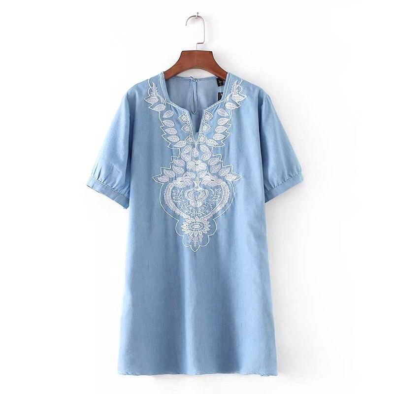 2018 Для женщин v-образным вырезом Рубашка с короткими рукавами платье из джинсовой ткани Тенсел джинсы платье цветочной вышивкой Винтажные н...