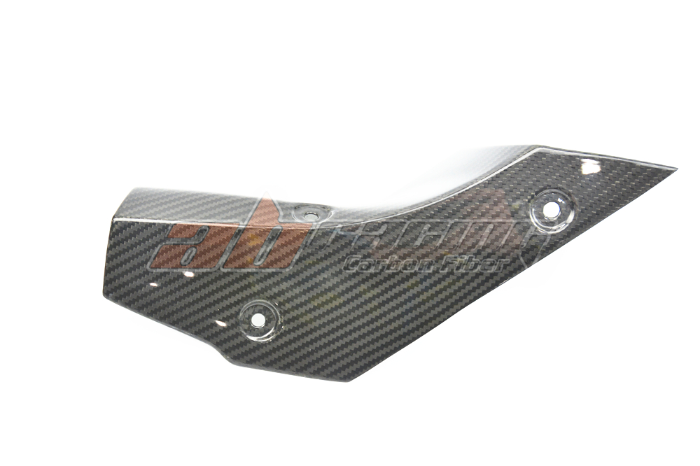 Exhaust Cover Large  For Yamaha R1 2015  Full Carbon Fiber, 100% Twill yandex w205 amg style carbon fiber rear spoiler for benz w205 c200 c250 c300 c350 4door 2015 2016 2017