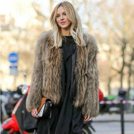 Faux Vintage Courte Sexy D'hiver M756 Renard Femmes Manteau Vestes Porter 2018 Fourrure Vague En Bureau Clobee Dames Fausse De Manteaux YZ4Tw8x