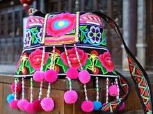 Vente chaude À La Main brodé sac à main Ethnique Femmes Messenger Épaule sac Pompon femmes gland Petits sacs cadeau De Noël