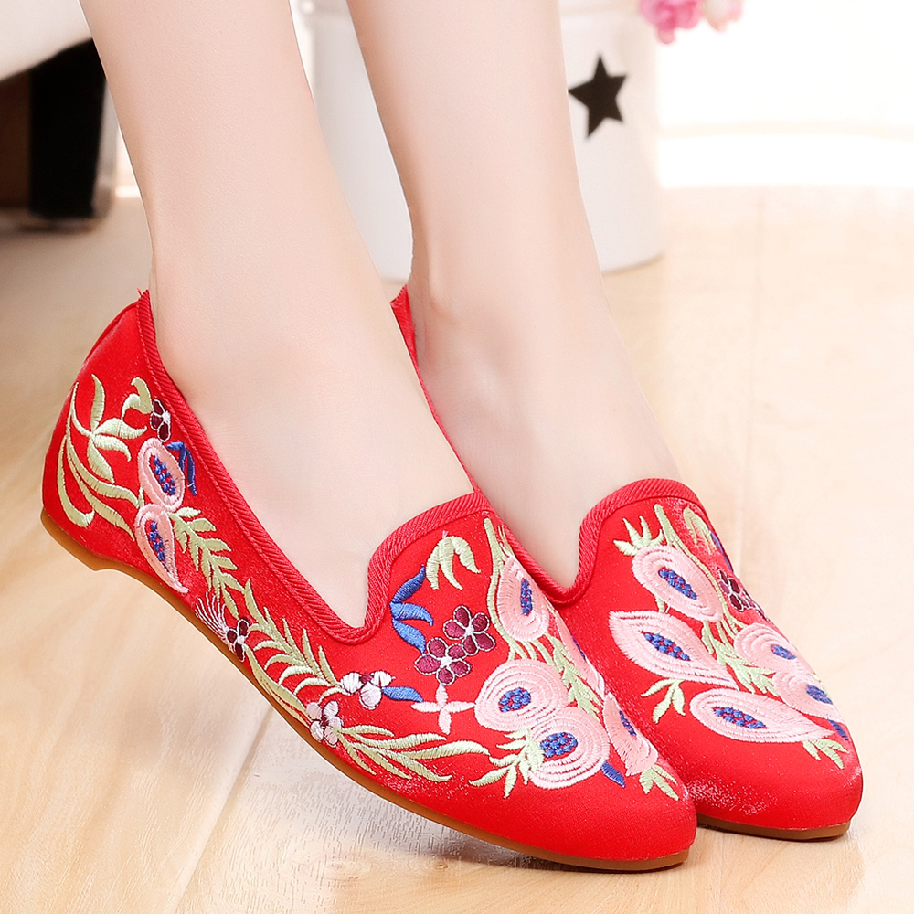 Ladies's Footwear Flats Chinese language Conventional Nationwide Embroidered Platform Footwear Pointed Toe Slip-On TPR Causal Women Footwear Xuan Wu Ladies's Flats, Low-cost Ladies's Flats, Ladies's Footwear Flats Chinese language...