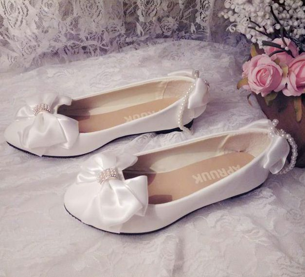 Satin bow wedding shoes woman flat heel round toes slip on comfortable brides wedding shoes plus size 41 42 girl proms shoe women wedding shoes flat heel round toes plus size bride shoes lady female sweet lace pearls proms dress evening party shoes
