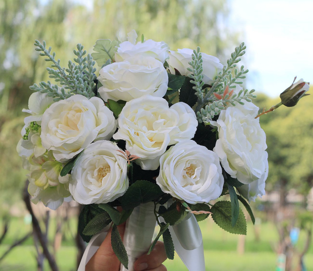 2019 New Arrival Bridal Bouquets Women Wedding Artificial Flower Bouquet Studio Wedding Photo Simulation Holding Flowers