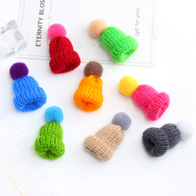 Cute Mini Hat Sweater Brooches 10 Color Woolen Knitted Hairball Hats Brooch Pins For Unisex Jacket Collar Badge Pin Accessories