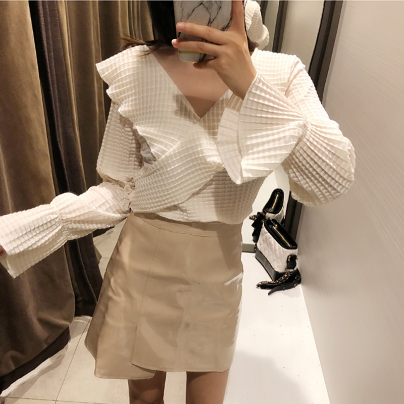 Elegant V-neck Plaid Velvet Women   Blouse     Shirt   Flare Sleeve Ruffles Mesh Patchwork Female Tops blusas 2019 Spring Summer   Shirts