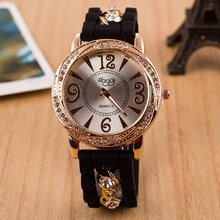 2017 New Dress Casual Quartz Clock Female Popular Relogio Luxury Diamond Ladies Wristwatches Women Silicone Chain Fashion Watch