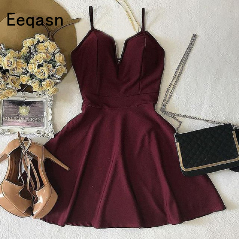 2020 Short Homecoming Dresses 8th Grade Burgundy V Neck Prom Dresses Junior High Cute Graduation Formal Cocktail Dresses