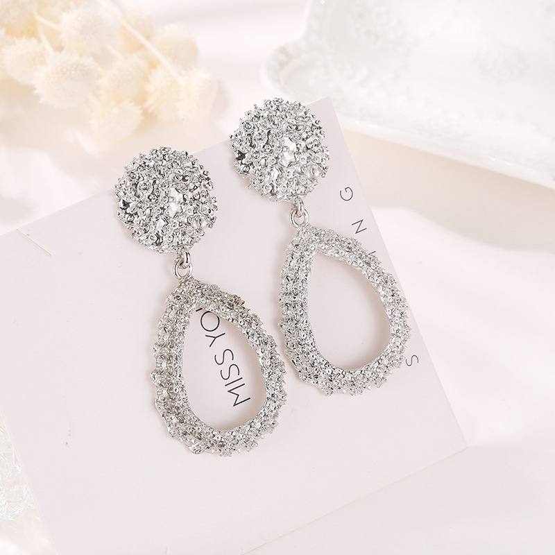 Elegant hollow geometric earrings for women round heart shaped drop pendant dangle drop hanging earring female fashion jewellery in Drop Earrings from Jewelry Accessories