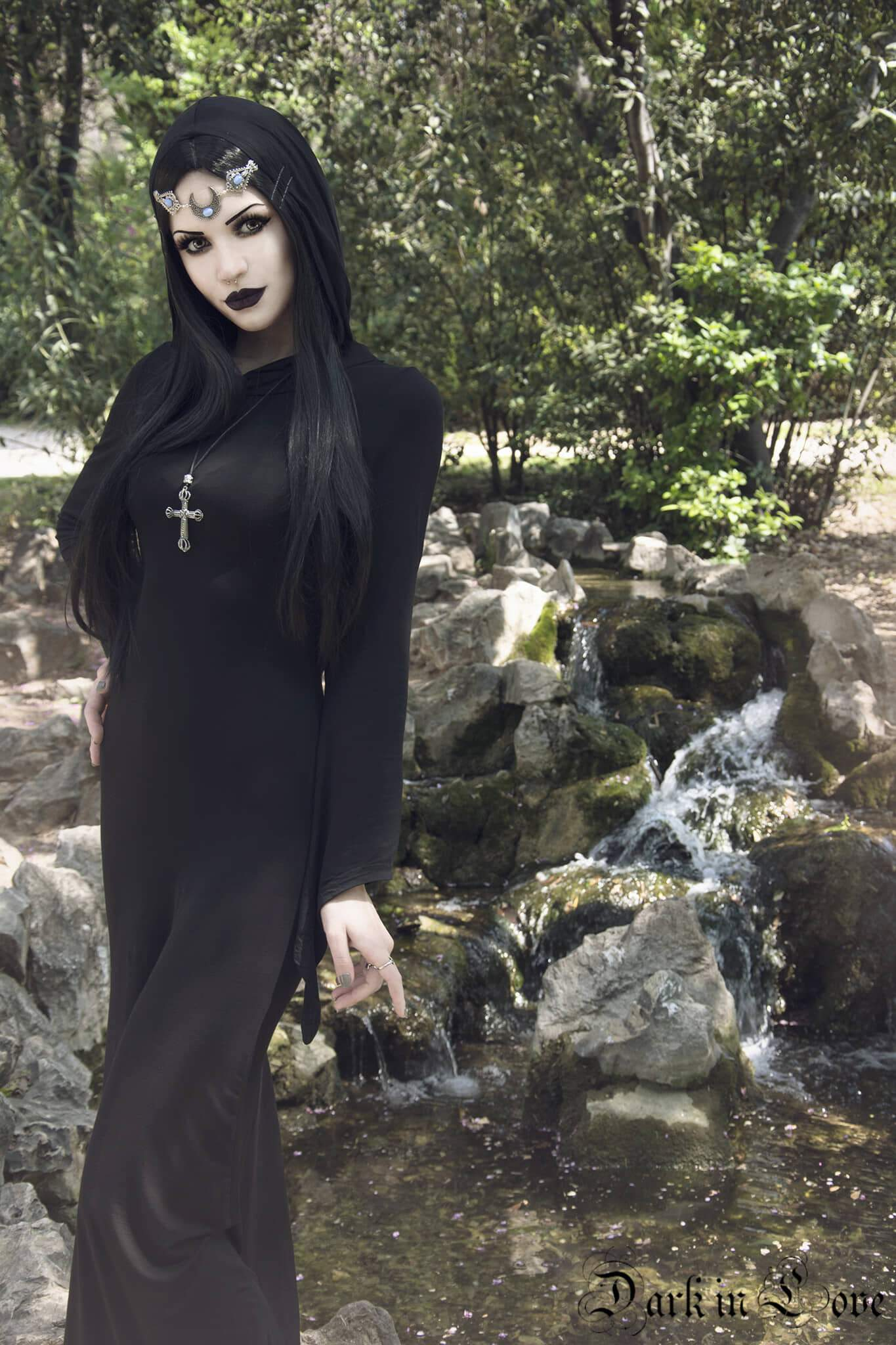 Darkinlove Women Gothic Dress Black Hooded Backless Stage Performance Halloween Witch Long Dresses