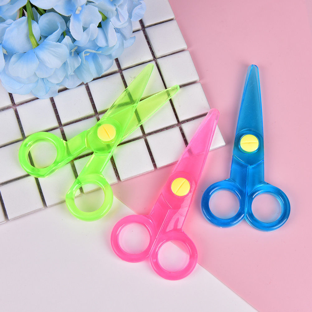 Handmade Diy Photo Album Laciness Plastic Mini Scissors Children Safety Scissors Tesoura Paper Lace Diary Decoration 1 Pcs Good For Energy And The Spleen Scissors