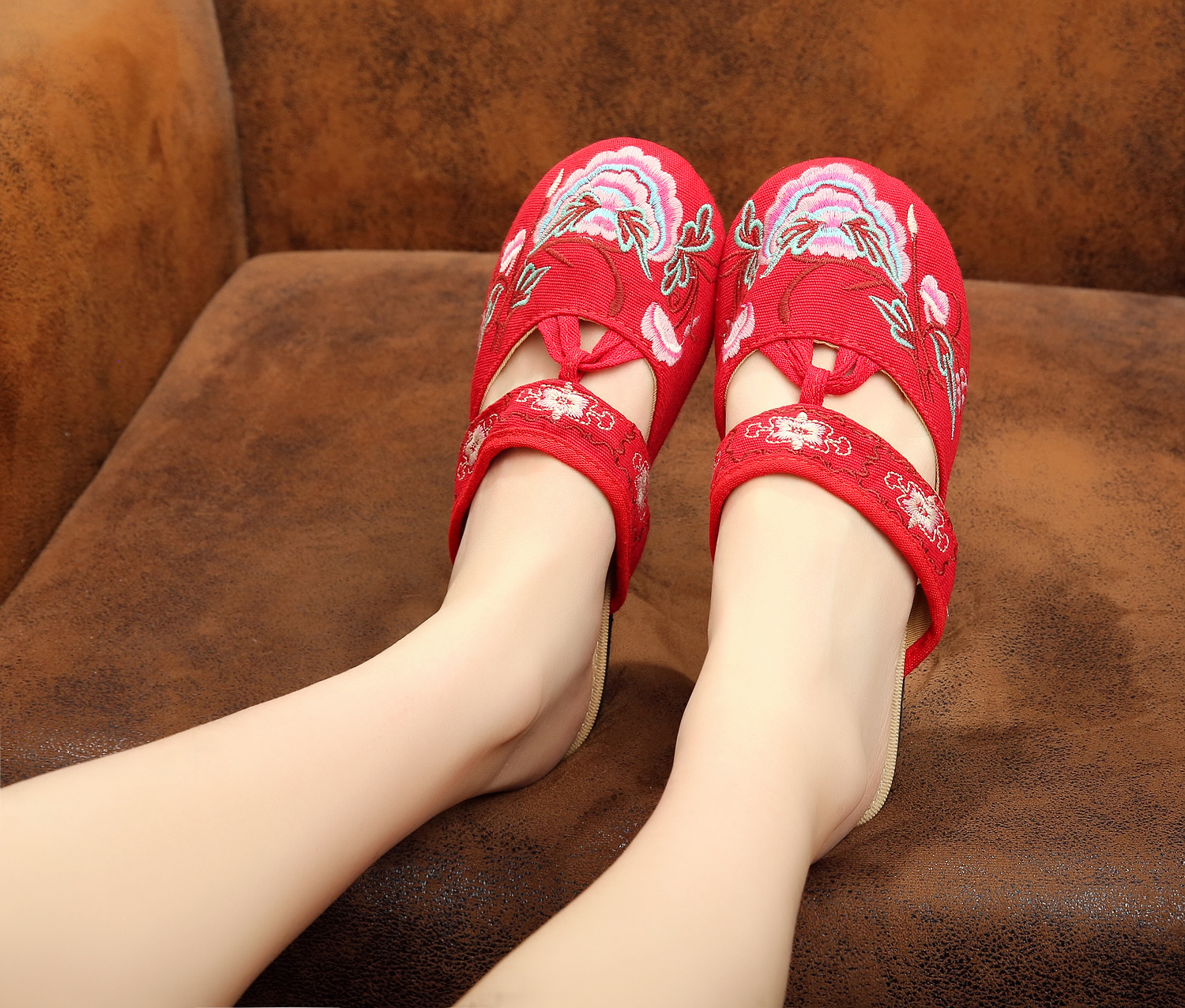 Summer new national embroidered slippers Floral Canvas old Beijing women's cloth flip flop Soft slippers Plus size 40