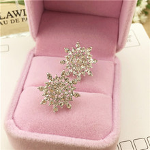 Korean fashion jewelry Exquisite rhinestone enamel crystal Christmas snowflake flower earrings Wholesale