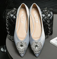 Size 3~10 Plus Size 2017 Crystal Wedding Women Shoes Elegant Red Women Flats Casual Soft New Arrival Pointed Women Shoes