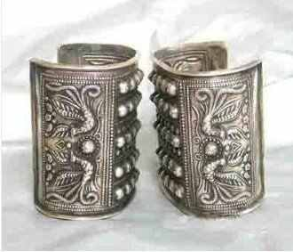 Asian China Handcrafted Superb Jewelry flower carved phoenix tibetan miao silver two bracelet Bangle shipping free