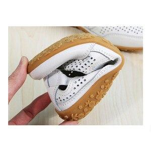 Image 5 - חדש אמיתי עור נשים קיץ נעלי מגזרות אישה ופרס אופנה חלול נשים של דירות לנשימה נשי נעל dobeyping