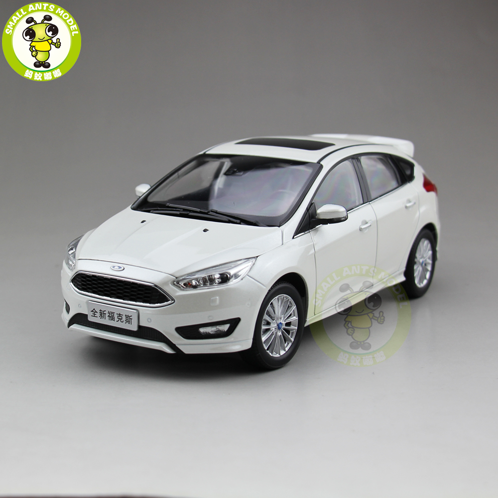 1:18 Ford ALL New Focus 2015 Diecast car model TOYS Boy Girl gifts collection hobby White