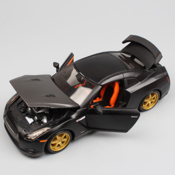 1:24 Scale mini Maisto 2009 Nissan GTR Skyline GT-R super sports auto turbo R35 racing coupe vehicle diecast model toy black boy image