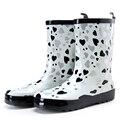 Tubo Em carregador De Chuva de Borracha Das Mulheres Botas de Chuva Novo Plano-Sen Na Primavera E no Verão Das Mulheres Sapatos de Água Botas moda À Prova D' Água