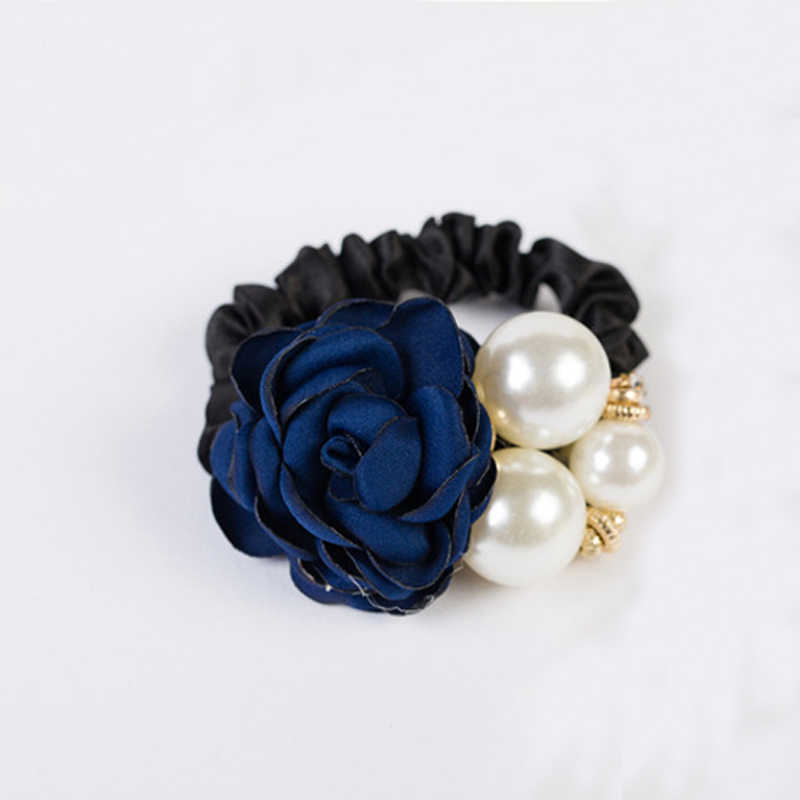 Hair rubber rose and pearls
