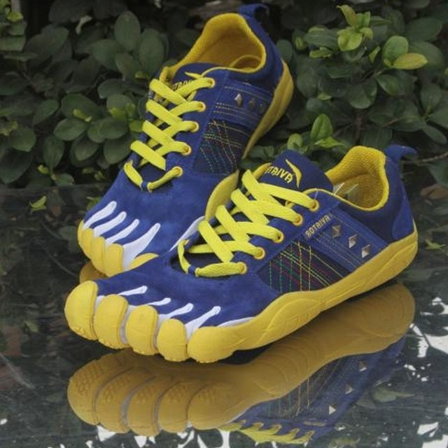 Men Flats Men Boat Shoes Fashion Lightweight Five Fingers Shoes Comfortable Non Slip Outdoor Shoes B332