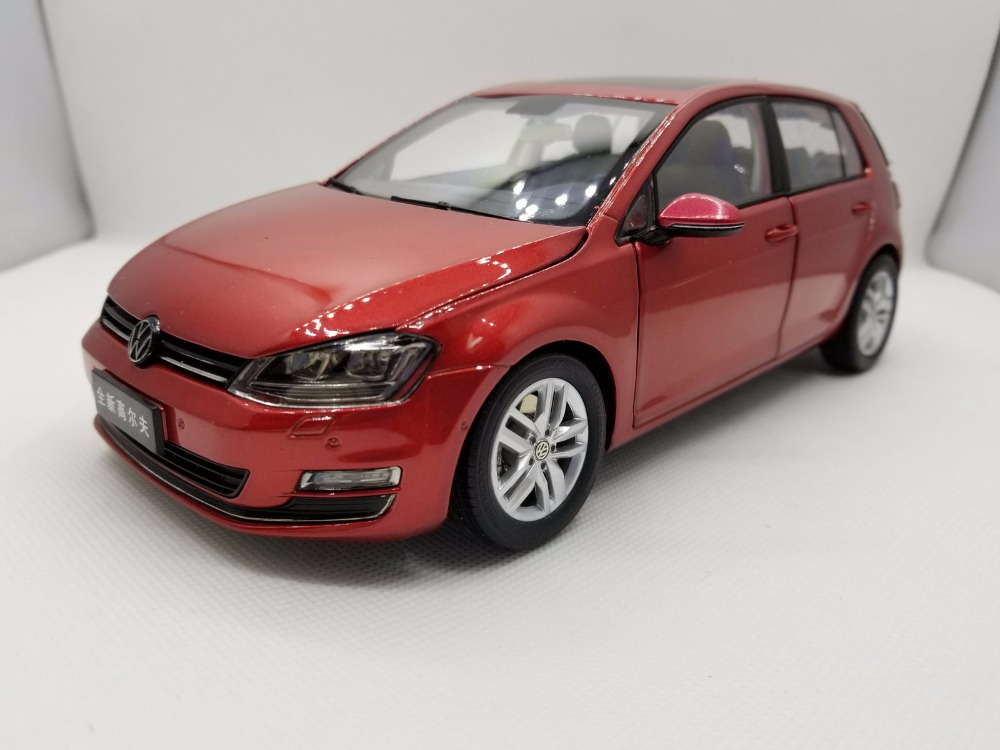 1:18 Diecast Model for Volkswagen VW Golf 7 Red Alloy Toy Car Miniature Collection Gifts MK7