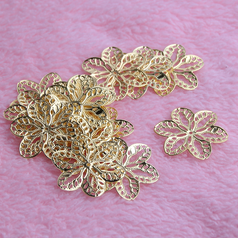 50Pcs Gold Leaves Filigree Wraps Connectors Metal Crafts Connector For Jewelry Making DIY Accessories Charm Pendant