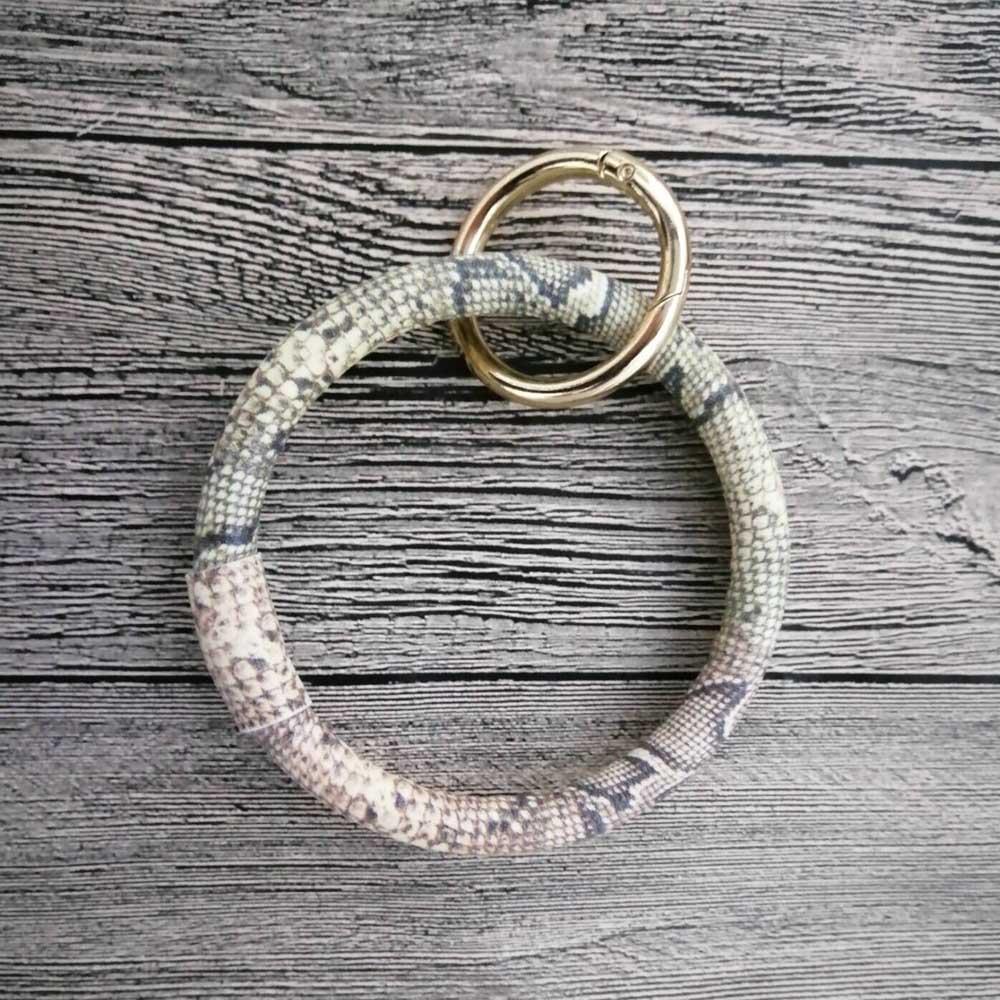 Snakeskin Round Key Ring Bracelet Snakeskin Bracelet Keychain Clip for Bag Charm Gift DOM1031254