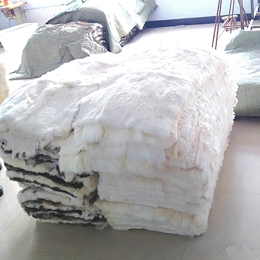 Dapper Aangepaste Echt Wit Kleur Konijnenbont Huid Pelt Tapijt Deken Voor Thuis Textiel Kwaliteit En Kwantiteit Verzekerd