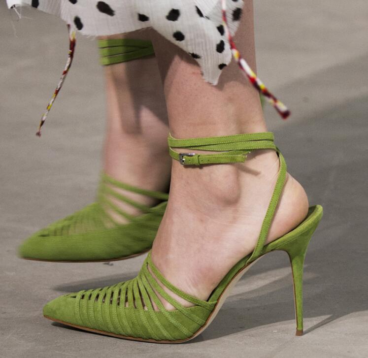 Элегантные зеленые женские Босоножки на каблуке, коллекция 2019 года, пикантные женские босоножки с острым носком, на шнуровке, с перекрестны