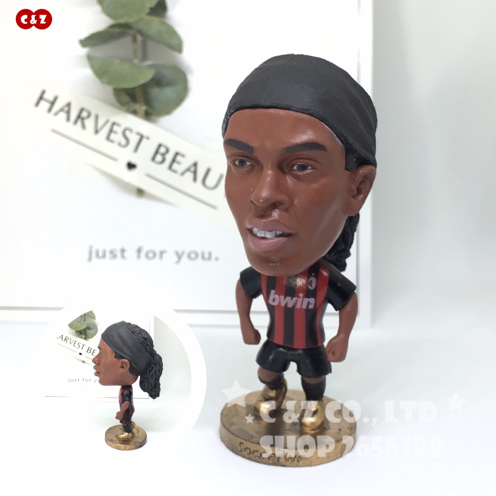 Football Stars A Ronaldinho Classic Movable Joints Resin Model Toy Action Figure Dolls Collectible Gift