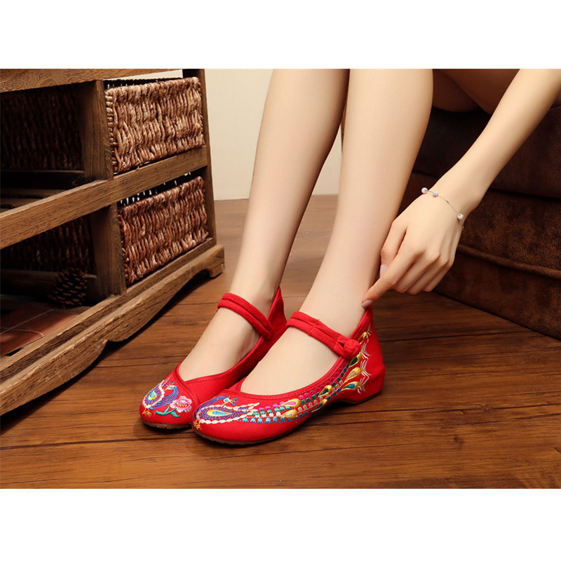 Wedding shoes Embroidery of Phoenix old Beijing style women shoe Traditional crafts shoes women sneakers girls dance Shoe traditional chinese style shoes embroidery dance women fashion old beijing mary jane shoes woman red flats single casual plus 41