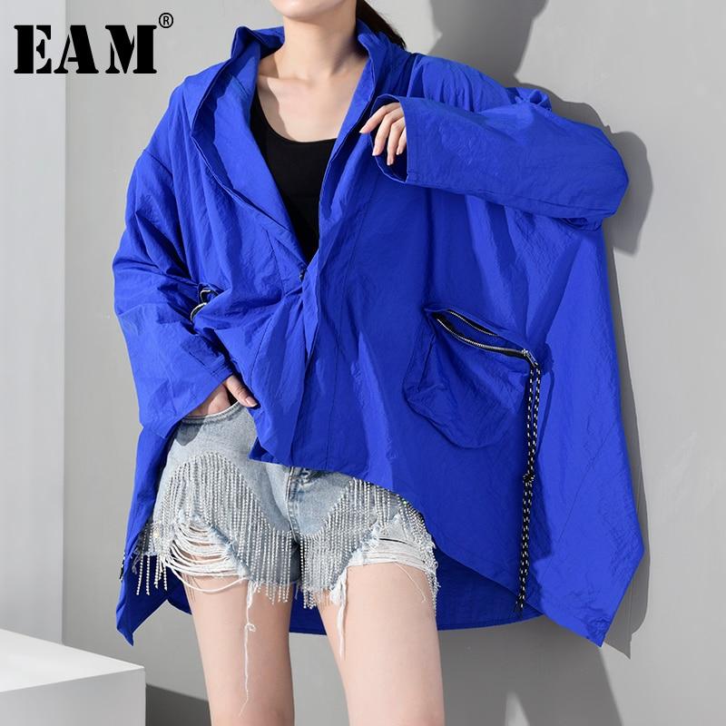 [EAM] 2019 New Autumn Winter Hooded Long Sleeve Blue Big Pocket Irregular Hem Big Size Windbreaker Women Trench Fashion YG4910