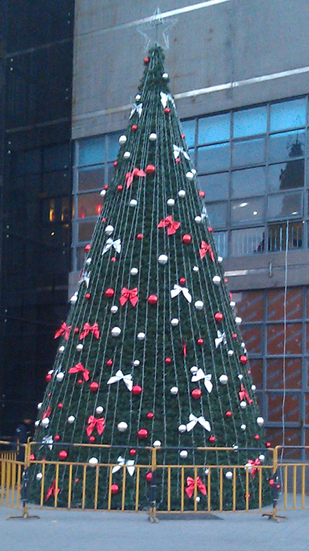 6 Meters Tower Large Framework Christmas Tree , Pvc Christmas Tree With Decoration