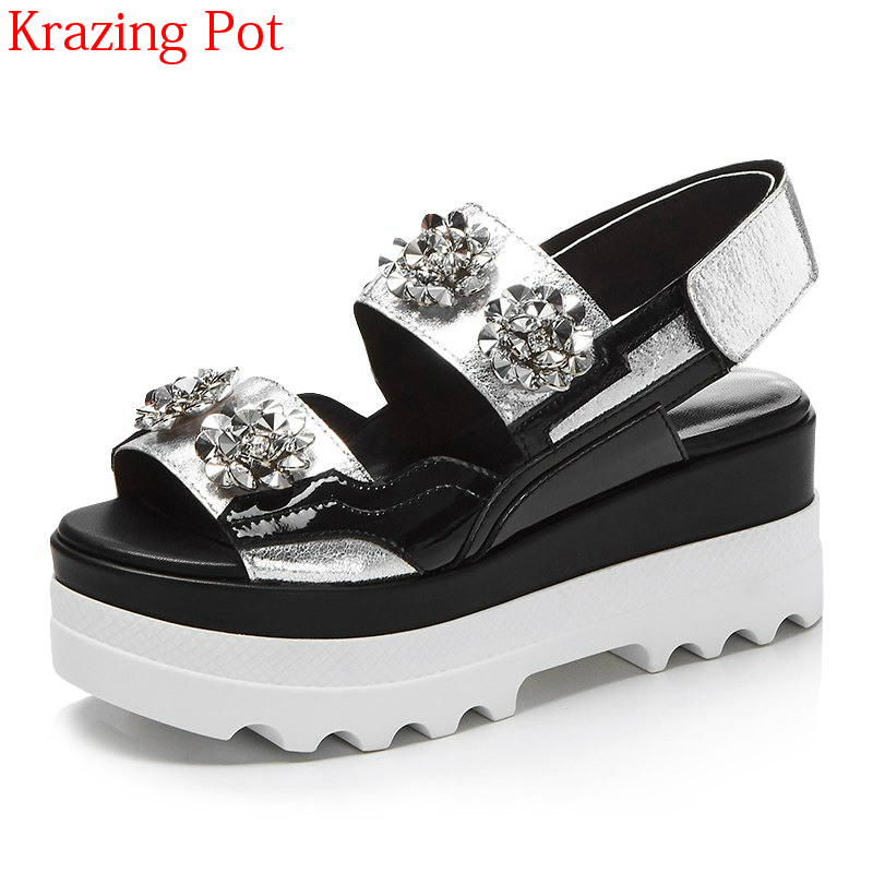 2018 New Genuine Leather Hook Loop Platform Crystal Rhinestone Summer Shoes Peep Toe Thick Bottom Runway Party Women Sandals L19 виниловые обои domus parati tessuti veneziani 27712