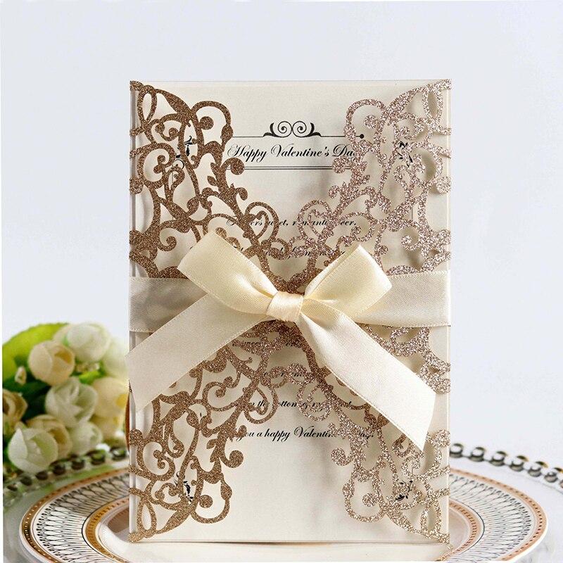 1pcs เลเซอร์ตัด Blue Gold Silver Glitter กระดาษเชิญงานแต่งงานที่กำหนดเองพิมพ์ริบบิ้นซองจดหมายงานแต่งงานตกแ...