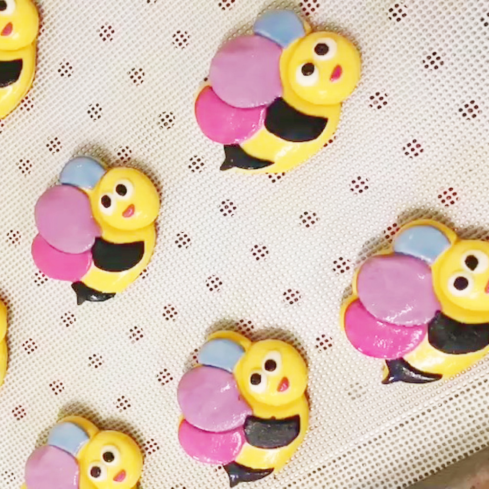 Us 7 31 Flying Bee Cookie Cutter Set Fondant Cupcake Top Moulds Custom Made 3d Printed Beehive Kitchen Accessories Cake Decoration Tool In Cookie