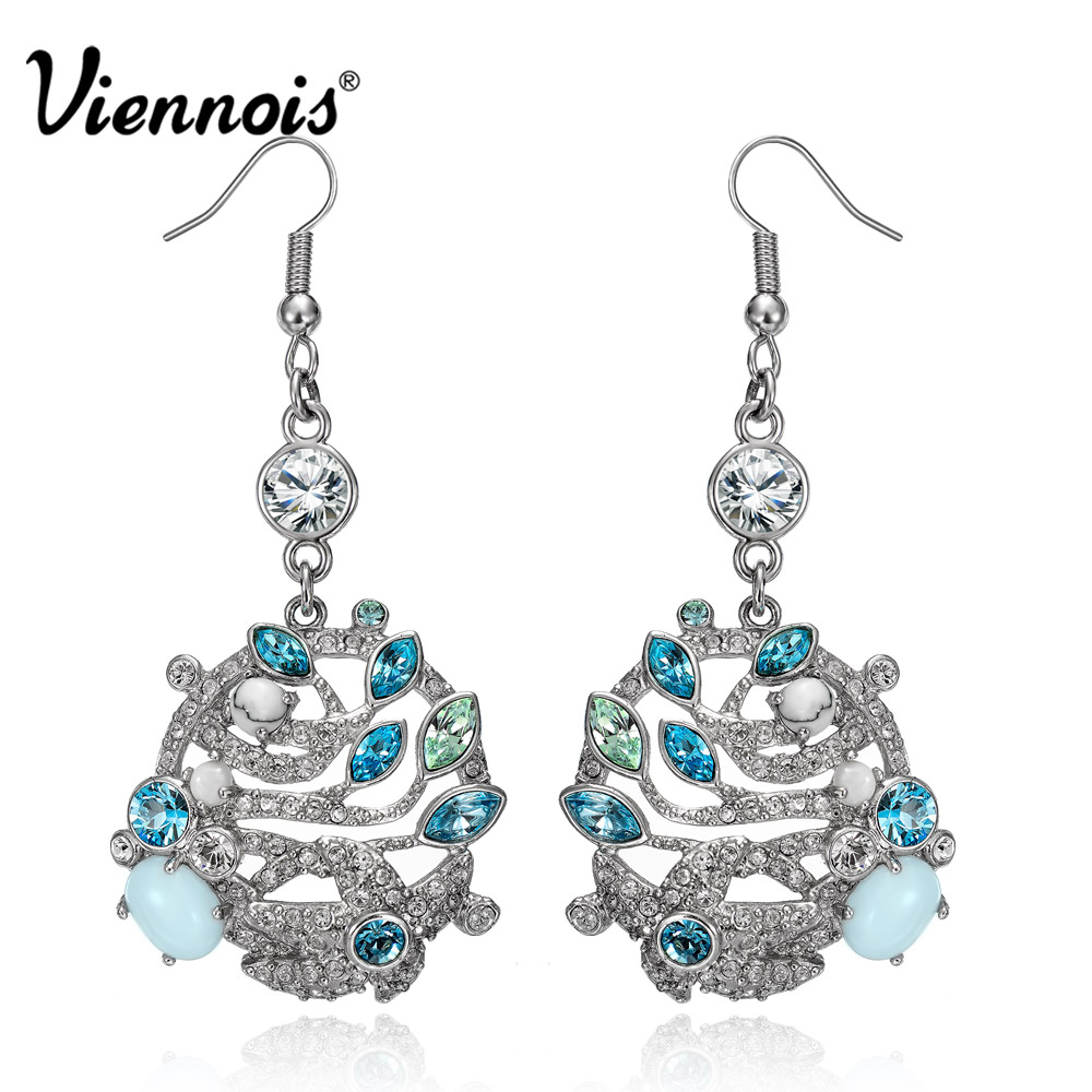 купить Viennois Gold/Silver Color Leaves Dangle Earrings for Women Crystals Drop Earrings Female Luxury Wedding Jewelry по цене 937.84 рублей