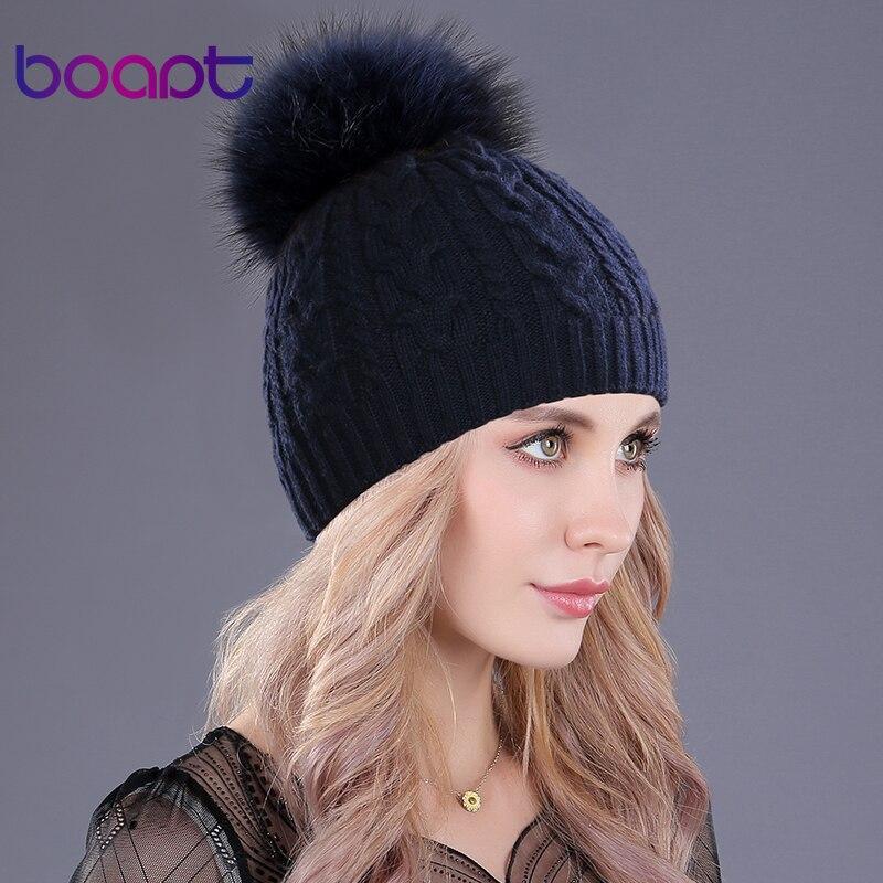 [Boapt] cachemire doux chaud épais double-pont de twist knit casquettes chapeaux pour femmes hiver véritable raton laveur pompons de fourrure dames beanie