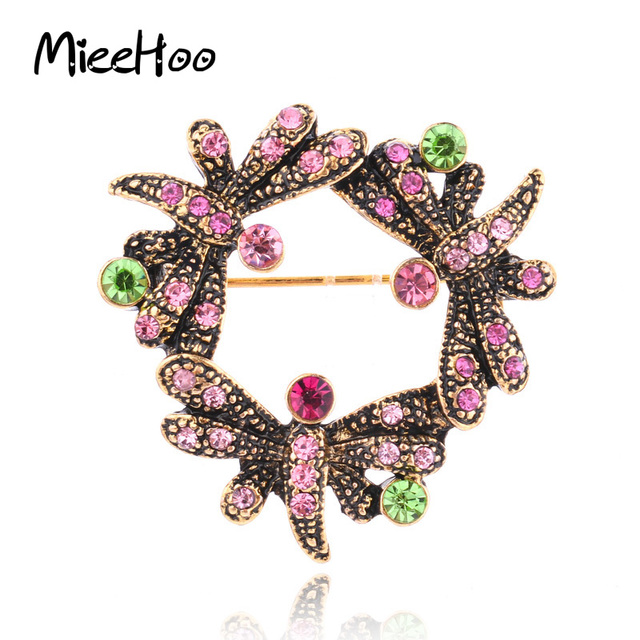67813487d5ac7 US $3.2  New Vintage Christmas Brooch Dragonfly Rhinestone Garland Wreath  Shaped Branch Pins Women Trendy Scarf Clips With Buckle Jewelry-in Brooches  ...